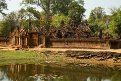 Banteay Srei panorama. Banteay Srei outodoor panorama with water Royalty Free Stock Images