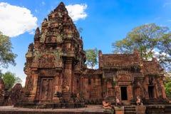 在Banteay Srey寺庙,柬埔寨的惊人的大厦 免版税库存照片