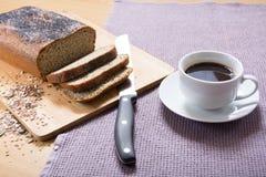 Banting et x28 fraîchement cuits au four ; paleo& x29 ; pain Images libres de droits