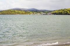 Bantry over de baai wordt bekeken die stock afbeelding