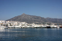 banusmarbella puerto spain arkivbilder