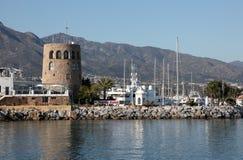 banusmarbella puerto spain royaltyfri bild
