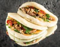 Bao de Gua avec le poulet images stock