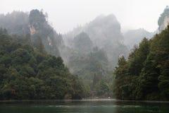 Baofeng sjö på Zhangjiajie royaltyfria foton