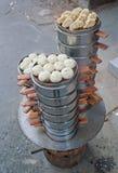 Baozi cuit à la vapeur par Chinois image stock