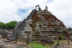 Baphuontempel in Angkor Thome Stock Afbeelding