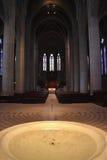 baptismal фиоритура купели собора Стоковое фото RF
