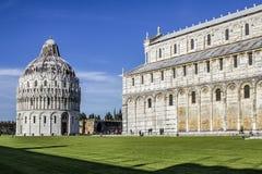 Baptistery av Pisa Arkivbilder