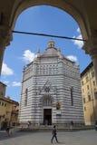 Baptistery av San Giovanni i corte, pistoia, tuscany, Italien, Europa royaltyfri foto