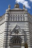 Baptistery av San Giovanni i corte, pistoia, tuscany, Italien, Europa arkivfoton