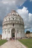 Baptistery, Baptistery an Marktplatz dei Miracoli-Quadrat in Pisa, Toskana, Italien stockfotografie