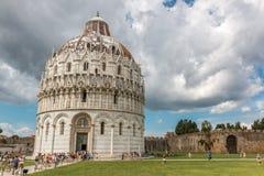 Baptistery, Baptistery an Marktplatz dei Miracoli-Quadrat in Pisa, Toskana, Italien lizenzfreie stockfotografie