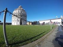 Baptistery van de Kathedraal van Pisa - externe mening Stock Foto