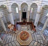 Baptistery van Pisa royalty-vrije stock fotografie