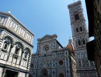 Baptistery van San Giovanni, en de Kathedraal van Santa Maria del Fiore in Florence, Italië stock foto's