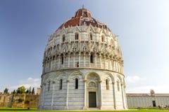 Baptisteryen av San Giovanni i Pisa Royaltyfri Foto