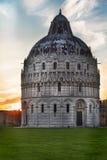 Baptistry Pisa, Тосканы, Италии Стоковая Фотография