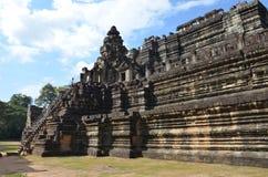 Bapuon-Tempel im Komplex des alten Tempels von Angkor, Kambodscha Weicher Fokus stockfotografie
