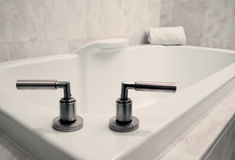 Baquet simple de salle de bains Photographie stock