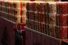 Baquets de maïs éclaté de boutique Image libre de droits
