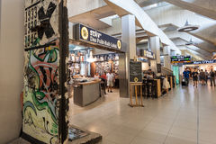 Bar célèbre à l'intérieur d'aéroport de Cologne Bonn Image stock