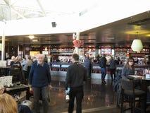 Bar d'aéroport de Londres Stansted Photographie stock libre de droits