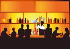 Bar d'hôtel avec le boire d'invités Photos stock