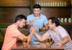 Bar da cerveja Fotos de Stock Royalty Free