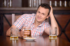Bar da cerveja Fotografia de Stock