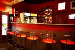 Bar dans une boîte de nuit Image stock