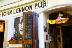 Bar de John Lennon à Prague Images libres de droits