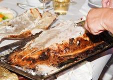 Bar de mer cuit au four en pâtisserie Image stock