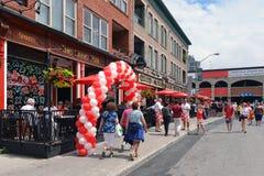 Bar do coração e da coroa decorado para o dia de Canadá fotografia de stock royalty free