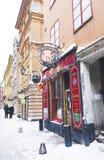 Bar en hiver Gamla Stan à Stockholm Photographie stock