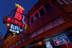 Bar en restaurants op Beale-Straat Stock Afbeeldingen