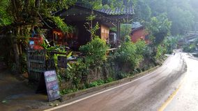 Bar en resturant in Mae KumPong Ville Stock Foto's