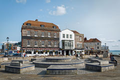 Bar i den Portsmouth hamnen, England Arkivfoton
