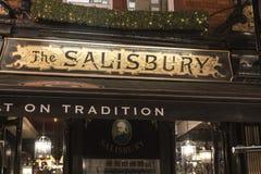 Bar inglês bonito o Salisbúria no jardim Londres Reino Unido de Londres Covent foto de stock royalty free
