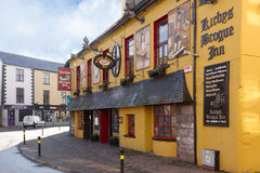 Bar irlandais traditionnel tralee l'irlande Images stock