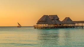 Bar na wodzie przy zmierzchem w Zanzibar, Tanzania Fotografia Royalty Free