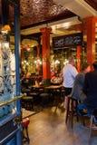 Bar o Salisbúria em Londres, Reino Unido imagens de stock royalty free
