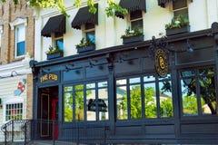 Bar på Broadway Royaltyfri Bild