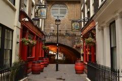 Bar skeppet och Shovellen London Royaltyfri Fotografi