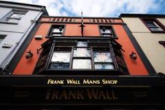 Bar typique dans Kilkenny du centre, Irlande Image libre de droits