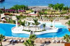 Bar w pływackim basenie przy luksusowym hotelem Obraz Stock