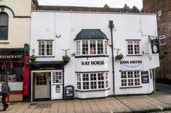 Bar in York dat een ommuurde die stad is, bij de samenloop van de Rivieren Ouse en Foss in North Yorkshire wordt gesitueerd, Enge Royalty-vrije Stock Afbeeldingen