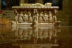 Bara dentro la cattedrale Sevilla immagine stock