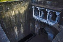 Bara Motachi Vihir väl, lem, Satara, Maharashtra royaltyfria bilder