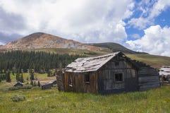 Baracche rustiche nelle Montagne Rocciose Fotografia Stock Libera da Diritti