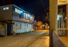 Baracoa gata på nattKuban Arkivfoton